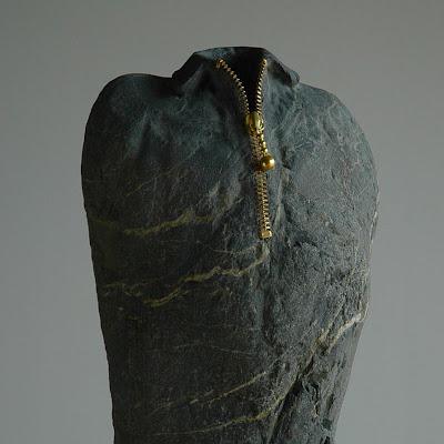 Seni Unik, Membuat Arca Dari Batu Sungai [ www.BlogApaAja.com ]