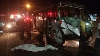 Ananindeua - PA: Após tentar assaltar micro-ônibus bandido é espancado até a morte por passageiros