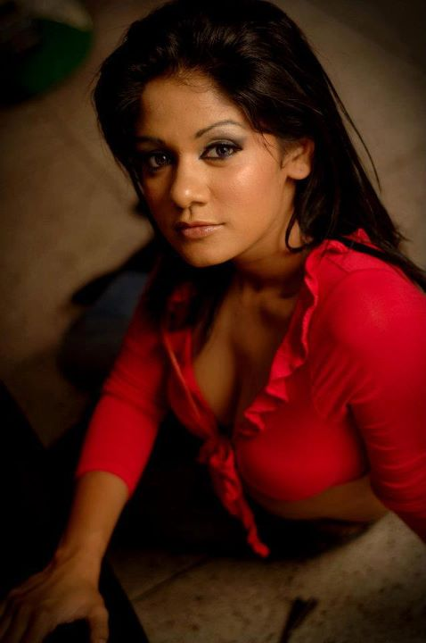 Miss Sri Lanka 2012 - Dinusha Kondadeniya Hot And Sexy Photos