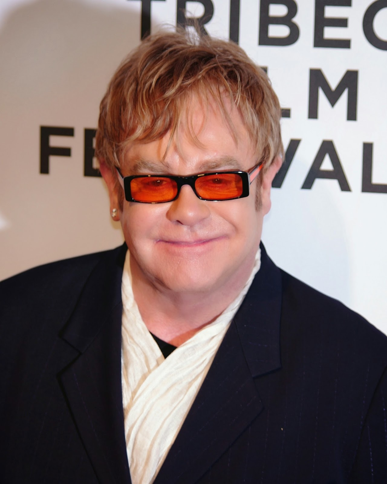 Elton John takes on Dolce and Gabbana - photo credit Wikimedia Commons - Hello, Handbag