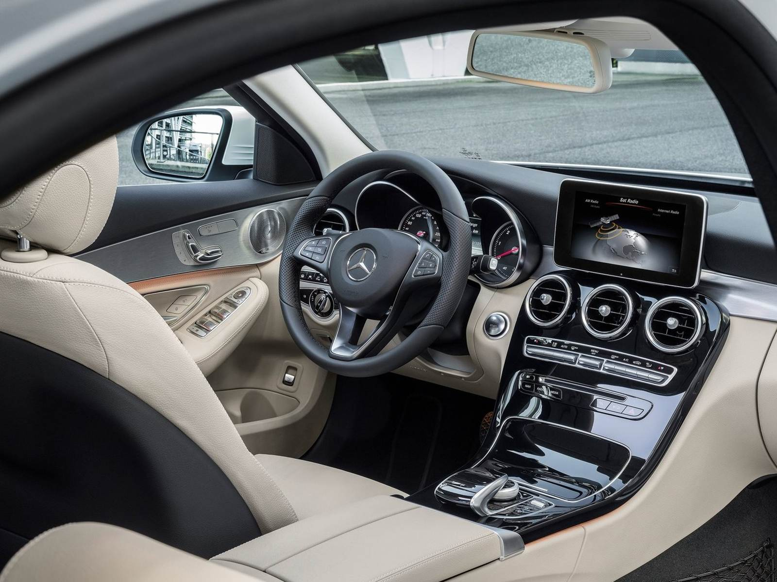 Mercedes benz classe c recebe motor renault na europa for Mercedes benz c class 2015 interior