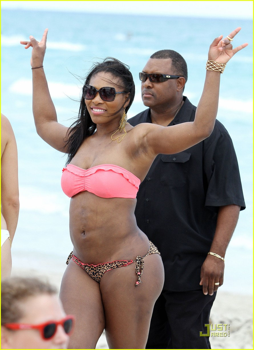 Serena Williams At The Beach In A Pink And Leopard Bikini ...