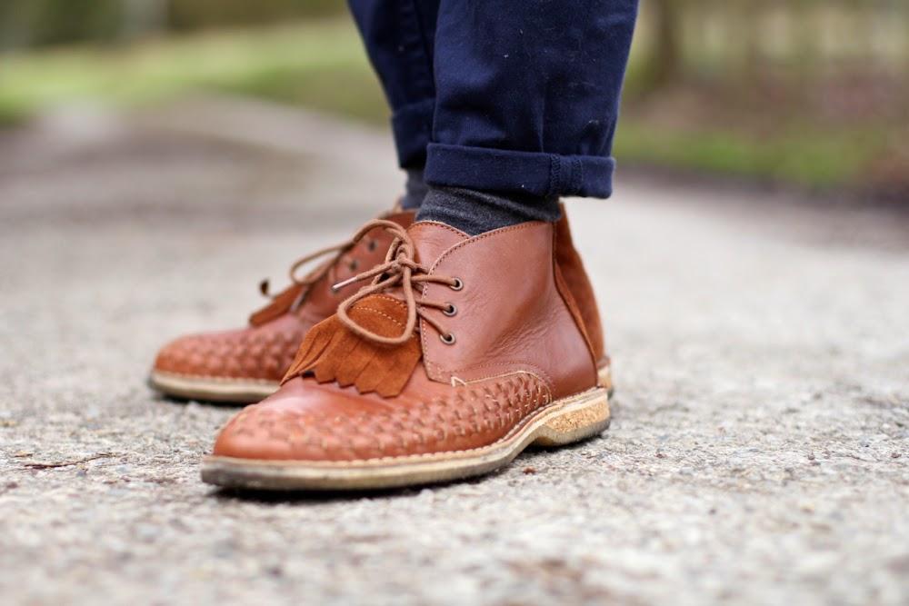 Campagne_Chemise-Seiensticker_Cravate-rayée_sans-repassage-BLazer-Cerutti_Charlie-Montre-Cachemire-UNiqlo_BLog-MOde-HOmme-Mmoustache-chaussures-tressée