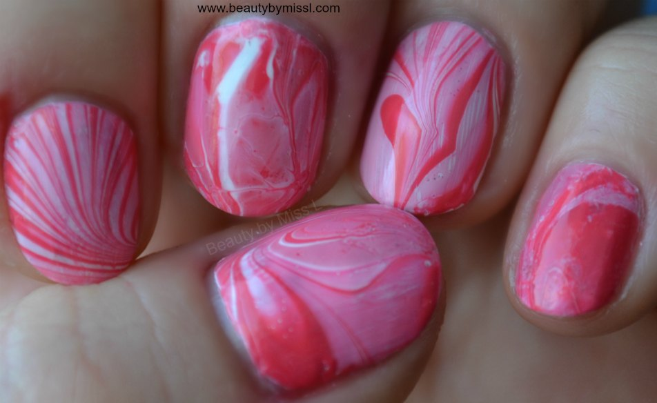water marble manicure