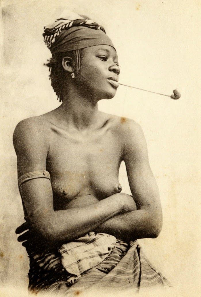 Femme de Saint-Louis, Dakar, Senegal, by Fortier.