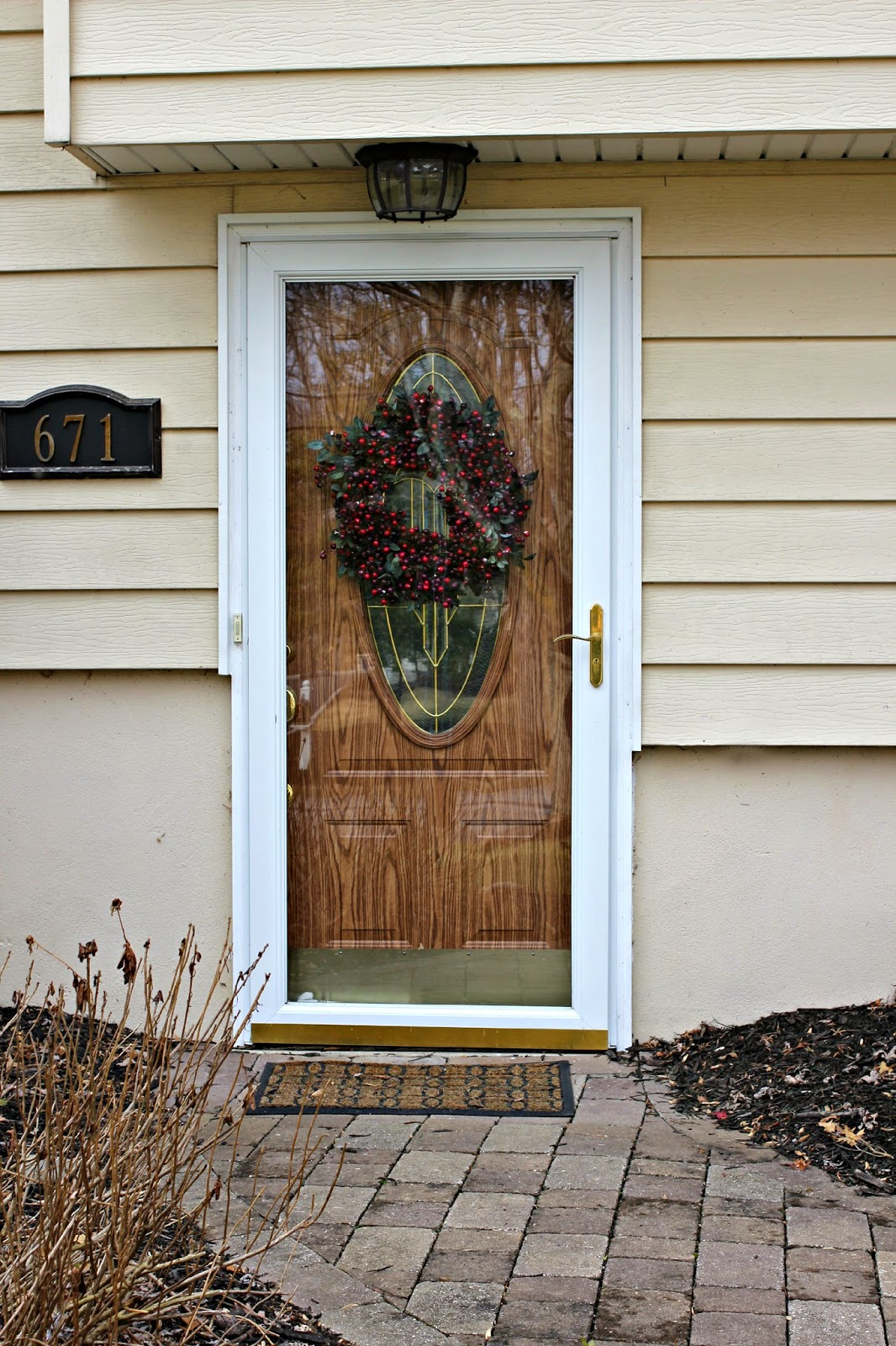 Front door before-faux wood grain-www.goldenboysandme.com