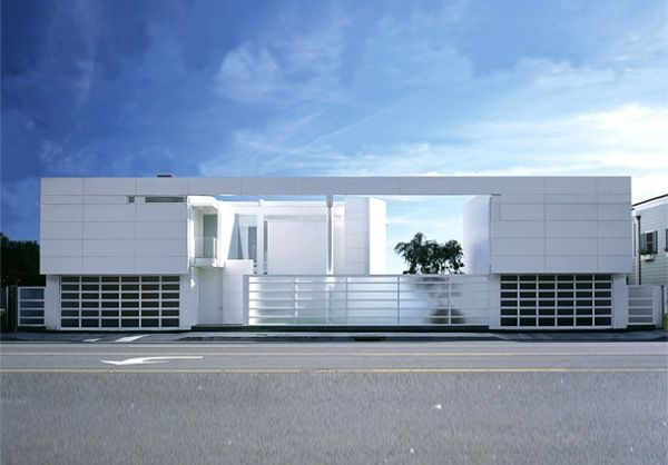 Modern white beach house interior design simple home for Architecture design of white house
