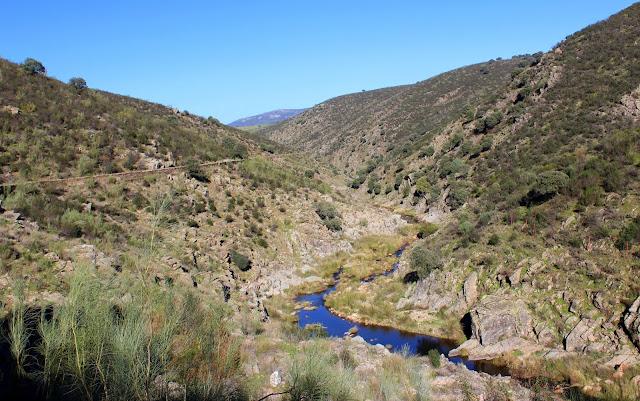 Arroyo de Torneros en la ruta por el acueducto de las Herrerías