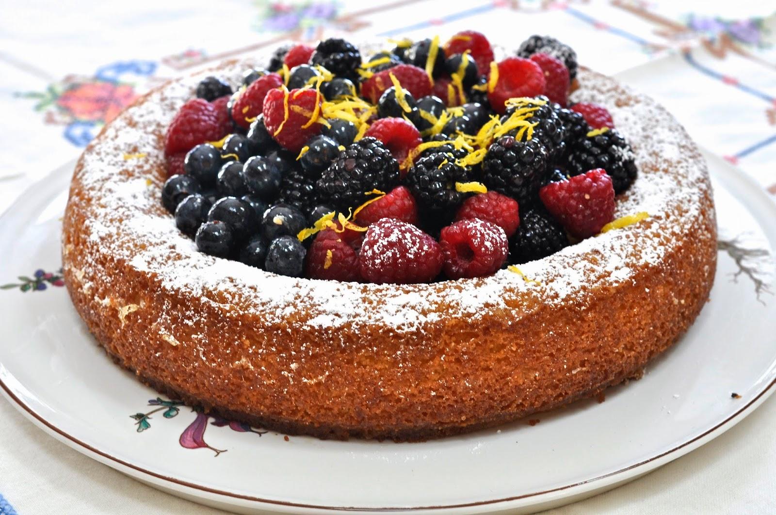 Ciao Chow Linda: Nigella Lawson's Lemon Polenta Cake