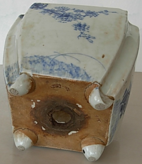 oriental pot keramik putih biru sold