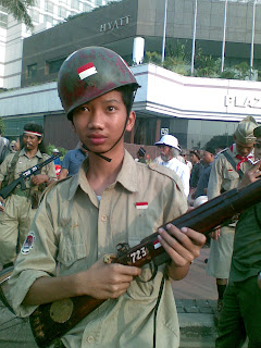 http://3.bp.blogspot.com/-WnHHhFQnjb0/UCyU5KKY5DI/AAAAAAAApHQ/DesCprtLRuc/s400/wajib-militer.jpg