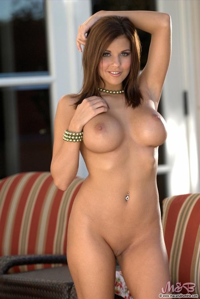 Labels: Big Tits, Biography(TBF), Brunette, Nicole Graves, Porn Star