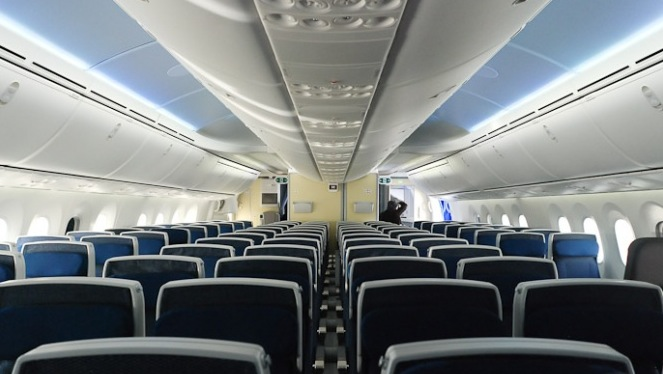 fitur interior boeing 787 dreamliner