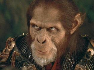 Tim Roth caracterizado como Thade.