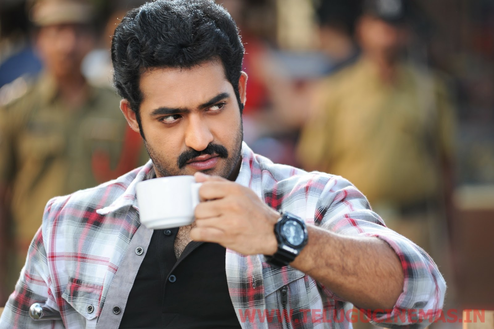 ntr ramayya vasthavayya in chiran fort club -telugucinemas.in