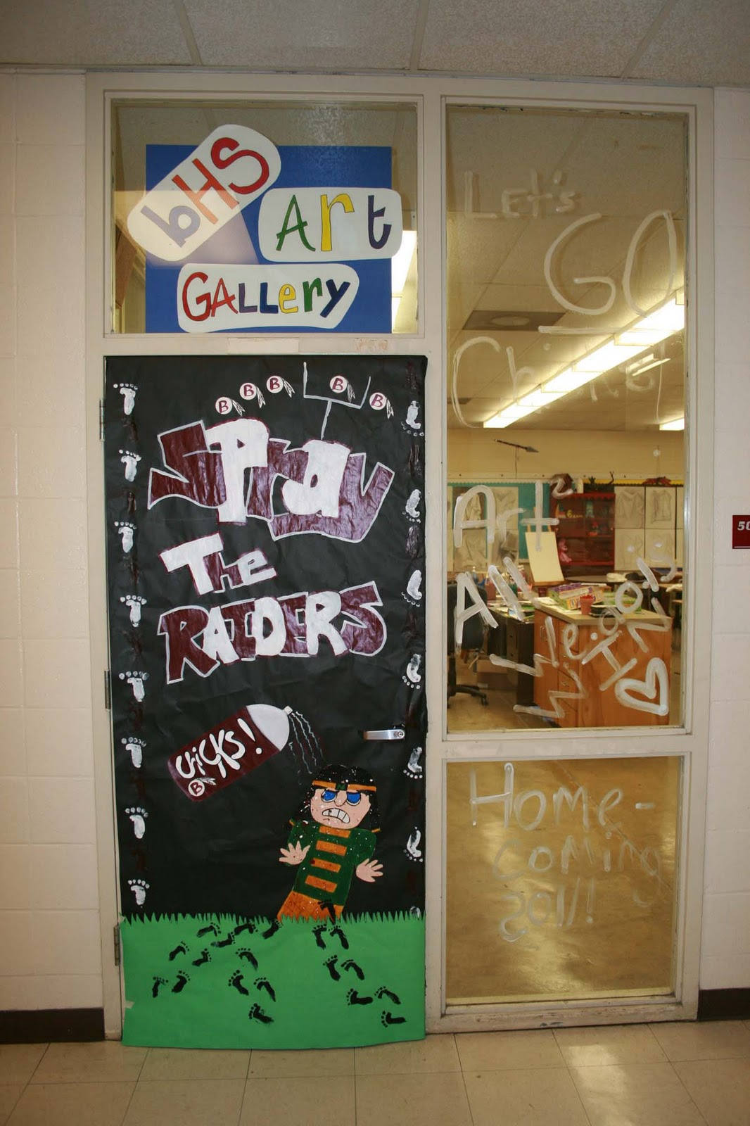 Mrs macre 39 s art class september 2011 for Art room door decoration