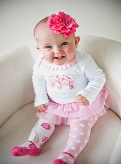 Photo bébé fille 8 mois