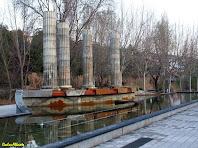 Les columnes de la Font Lluminosa de la Plaça de Sant Joan de Súria. Autor: Carlos Albacete