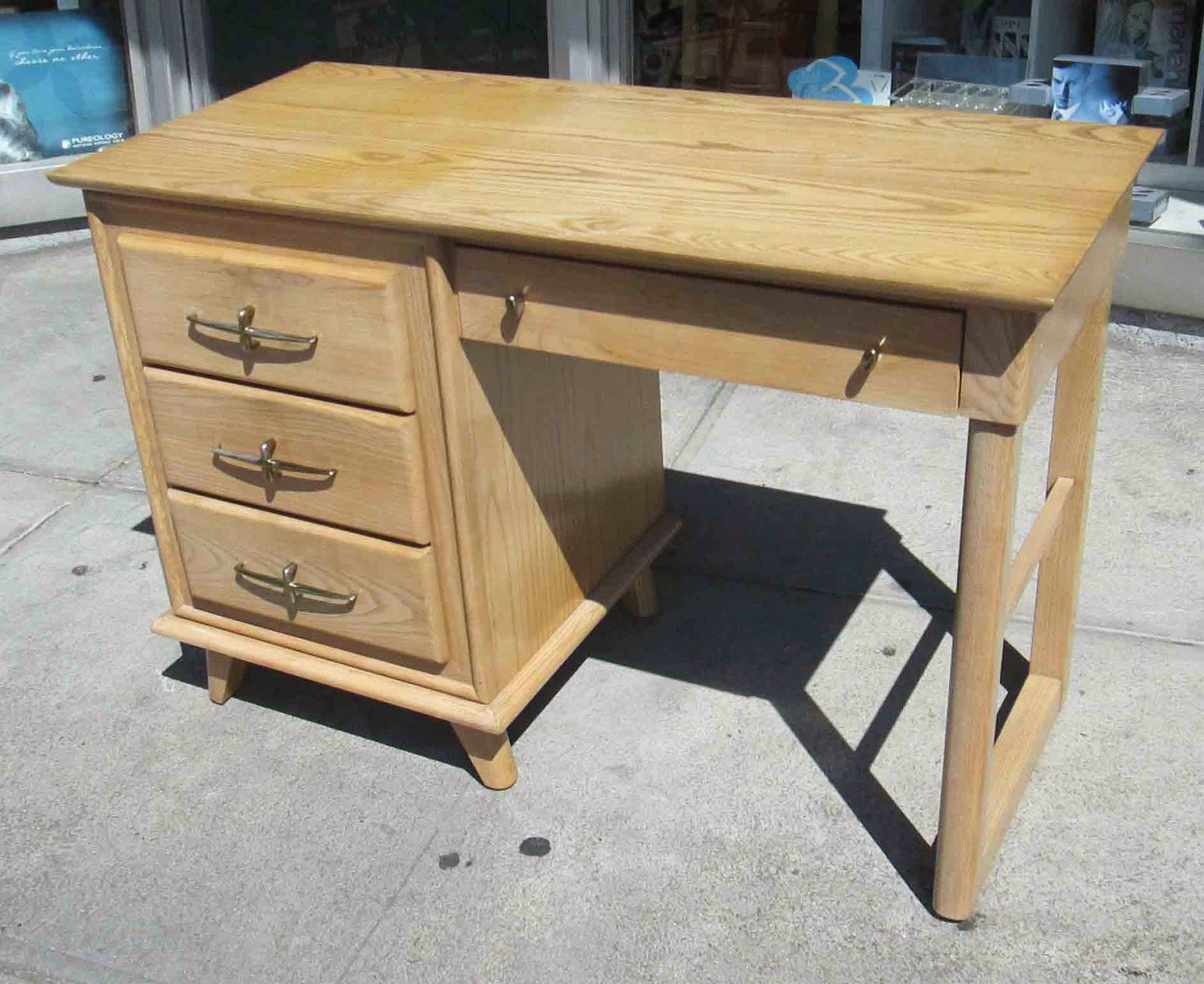 UHURU FURNITURE & COLLECTIBLES: SOLD **REDUCED** Vintage Desk by ...