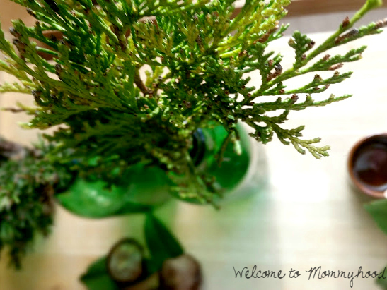 How to create a nature table by Welcome to Mommyhood #waldorf, #naturetable, #Howtocreateanaturetable, #practicallife, #finemotorskills