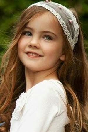 Peinados para niña de Comunión 2016 Los más chic Ella  - Peinados De Comunion Con Corona