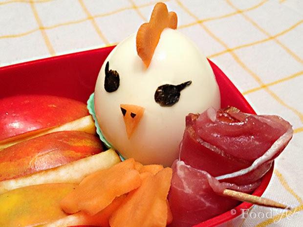 Charaben Henne aus Ei mit Schinken - Food Art