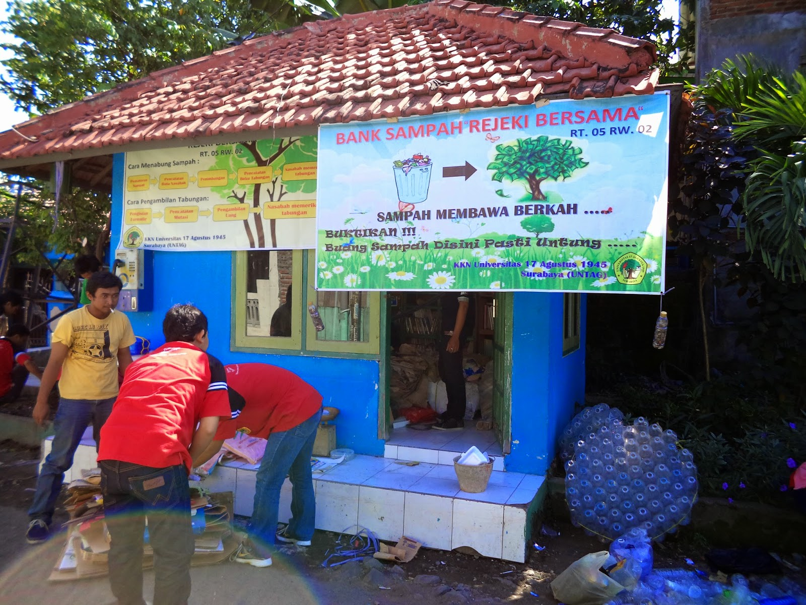 Banner Bank Sampah Kelompok Bank Sampah Dibantu