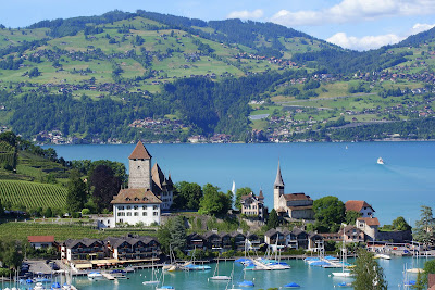 http://3.bp.blogspot.com/-WoqffNQ_mUc/UffXPekkeFI/AAAAAAAAD38/Z_-hvyLQNyA/s400/Interlaken_Beautiful_City_Switzerland.jpg