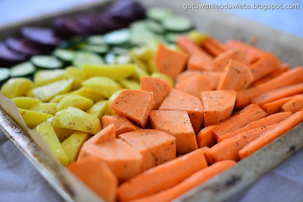 pieczone warzywa na blache ułożone