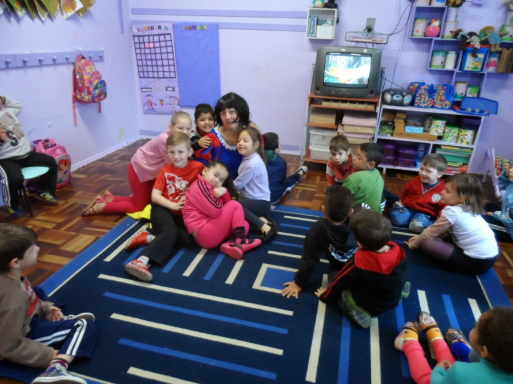 Escola Municipal De Educação Infantil Arco íris O Mundo Da Fantasia