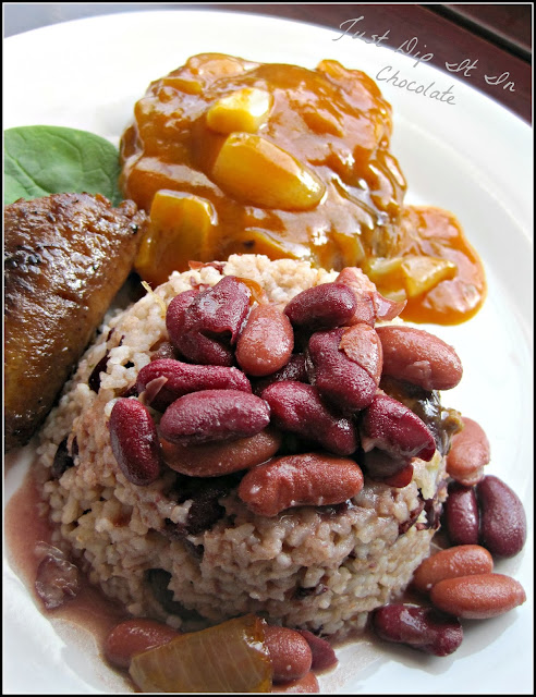 Rice and Beans with Coconut Milk Recipe, southern comfort food with a touch of the Caribbean! The perfect side for your fish, friend chicken or patties #beans #rice #coconut #caribbeanfood #comfortfood #southerndish