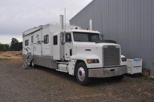 Used rvs toyhauler conversion truck for sale for sale by owner for Motor home toy hauler