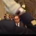 Um ano após ataque ao Charlie Hebdo, François Hollande presta homenagem à polícia