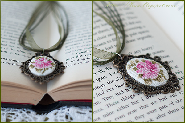cross stitch vintage, кулон винтаж, украшение вышивка, роза винтаж вышивка, кулон роза, вышивка миниатюра, украшение своими руками,