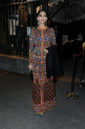 Sonam Kapoor Dinner Pic1 - Sonam Kapoor at a private dinner at the Just Cavalli Cafe 