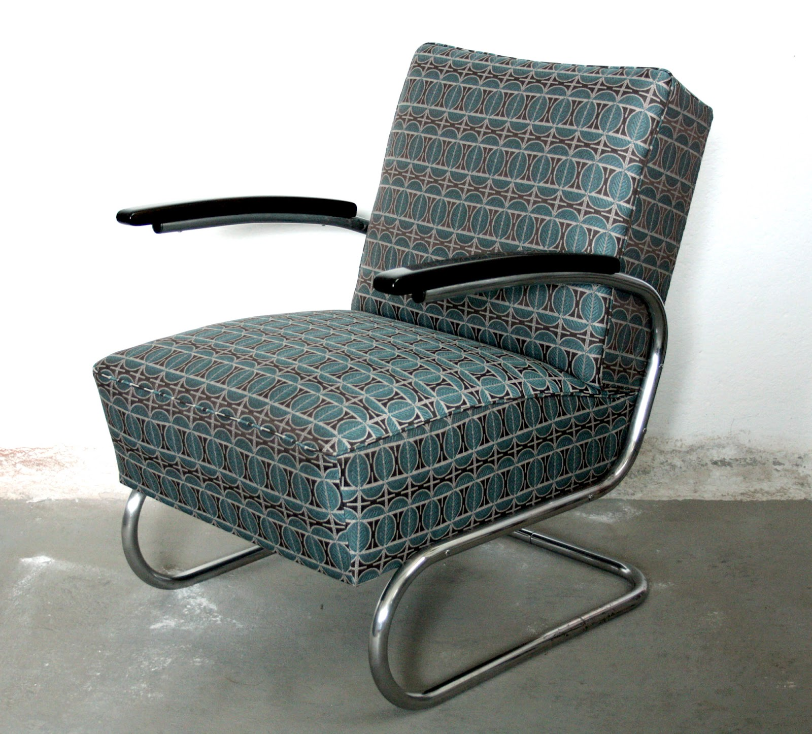 funkcionalistick k eslo thonet. Black Bedroom Furniture Sets. Home Design Ideas