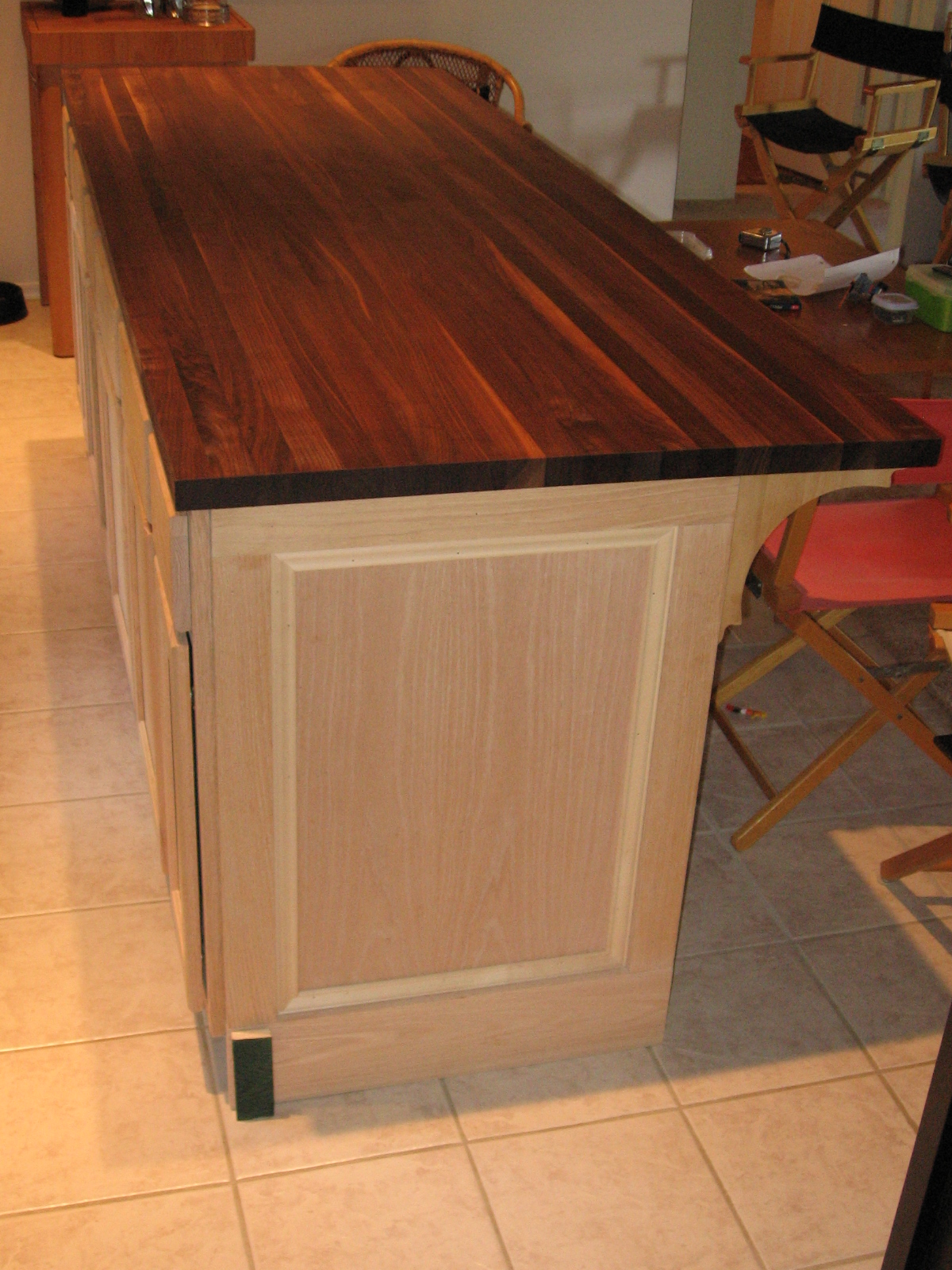 Dusty coyote diy kitchen island finishing up and looking at a green stain sample solutioingenieria Choice Image