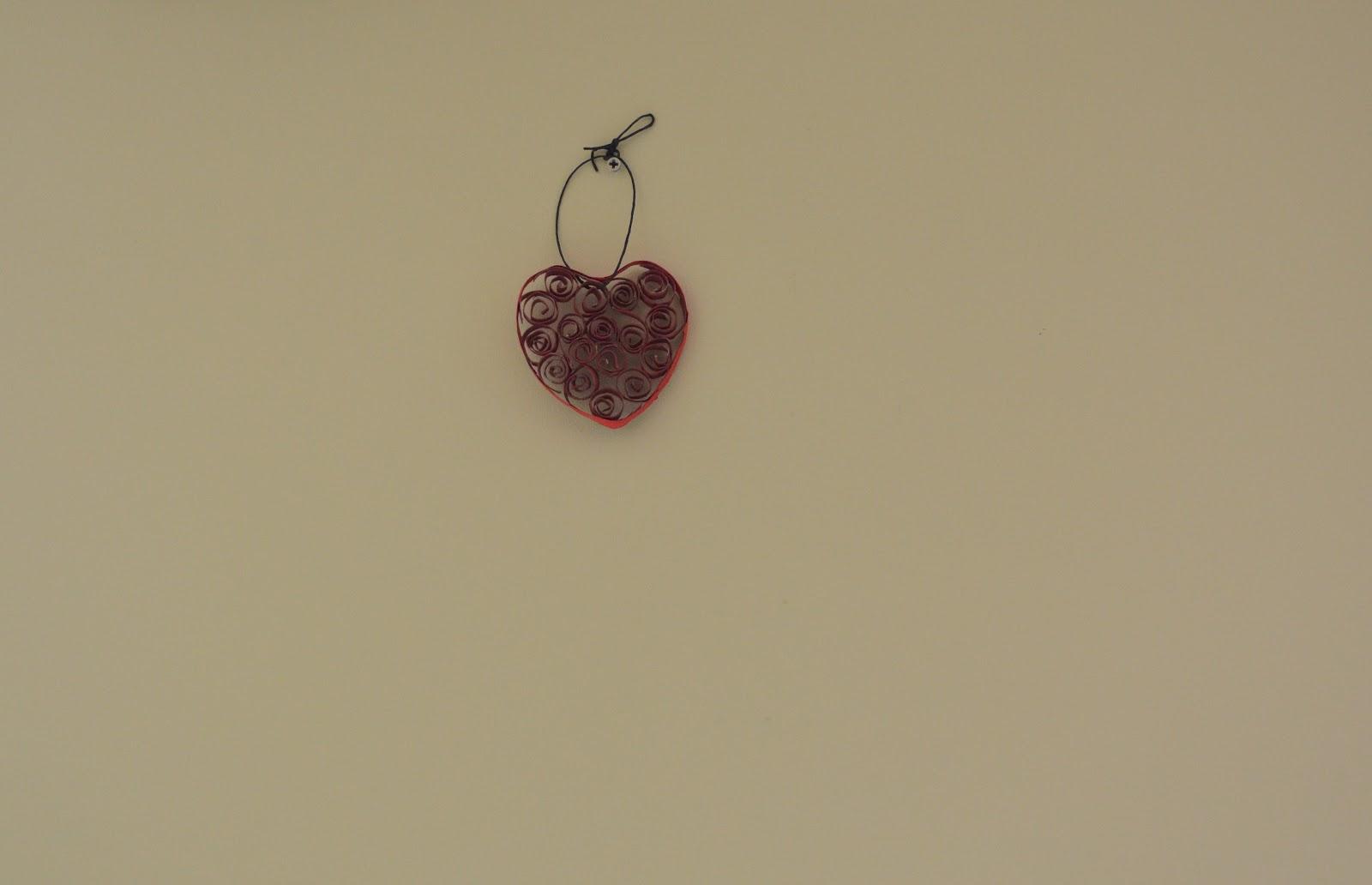 Chosesandco coeur accrocher au mur - Accrocher photos au mur ...