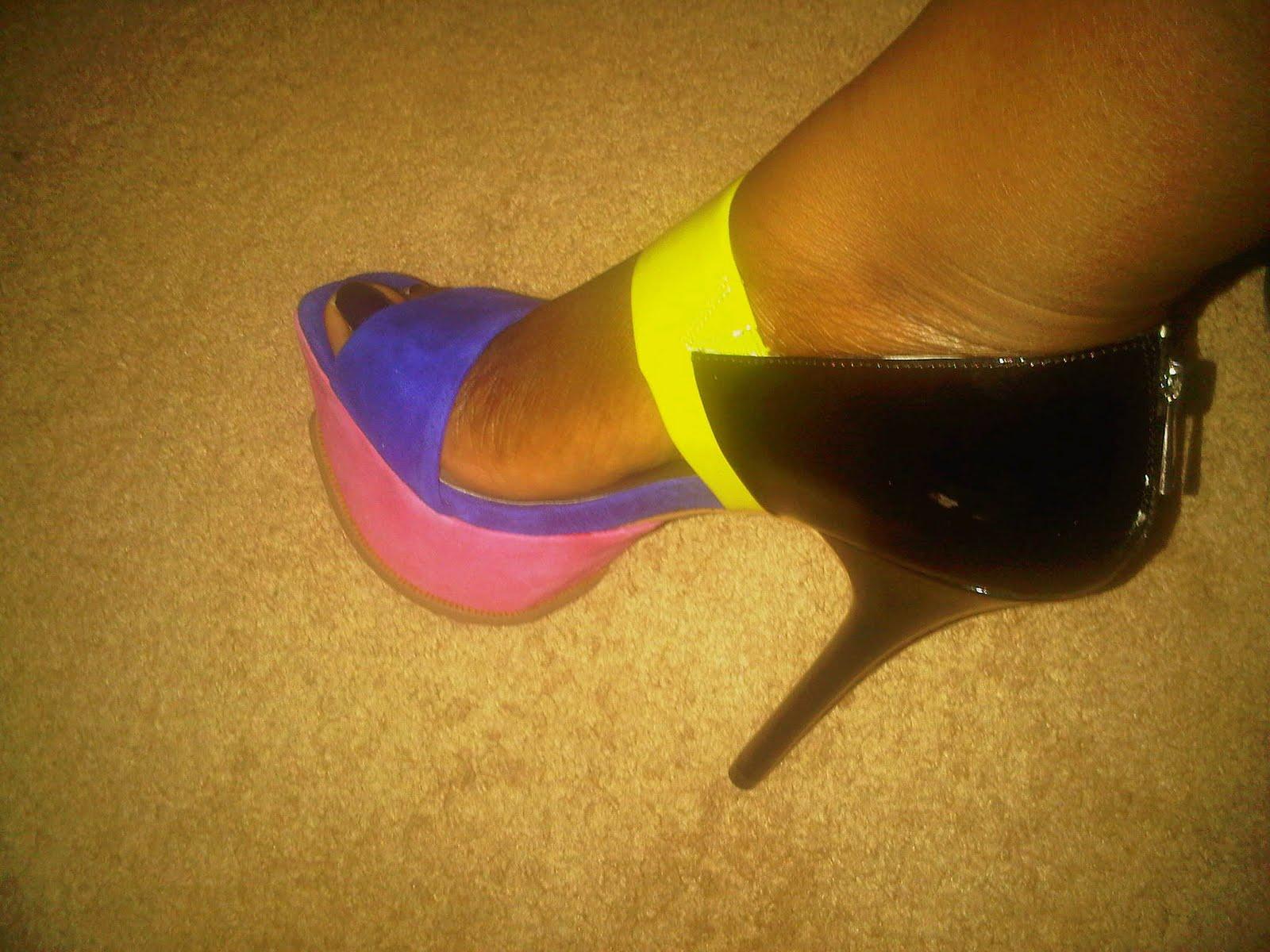 http://3.bp.blogspot.com/-WqDtHH3ccaU/TjFyqBp7oQI/AAAAAAAACjQ/XBZwobhMdEQ/s1600/shoe4.jpg