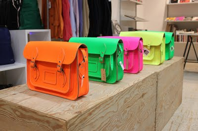 cambridge-satchel-company-for-dover-street-market-fluo-collection-0.jpg (400×266)