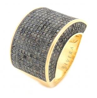anel dourado e preto