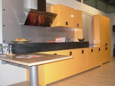 Decora el hogar cocinas color amarillo for Muebles de cocina amarillos