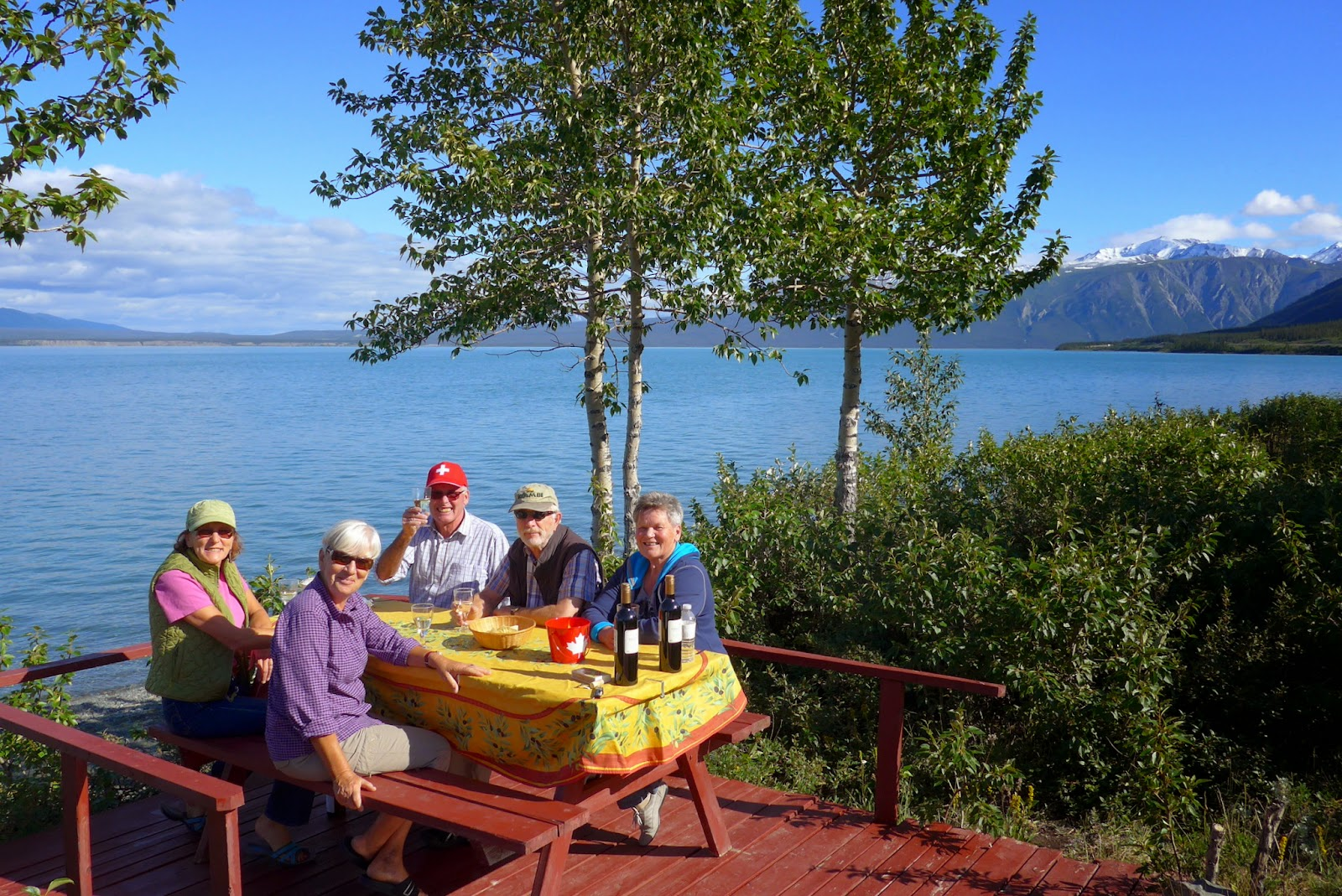 Liz and Annamarie on the near side. Hansuli, Christian and Lisbeth. Cottonwood RV Park on Kluane Lake