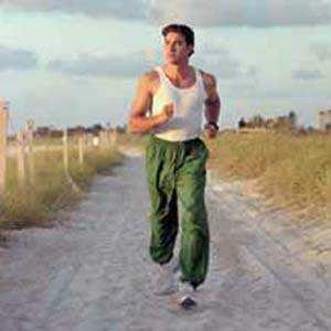 بعض انواع الرياضة تساعد فى حماية عظام الرجل