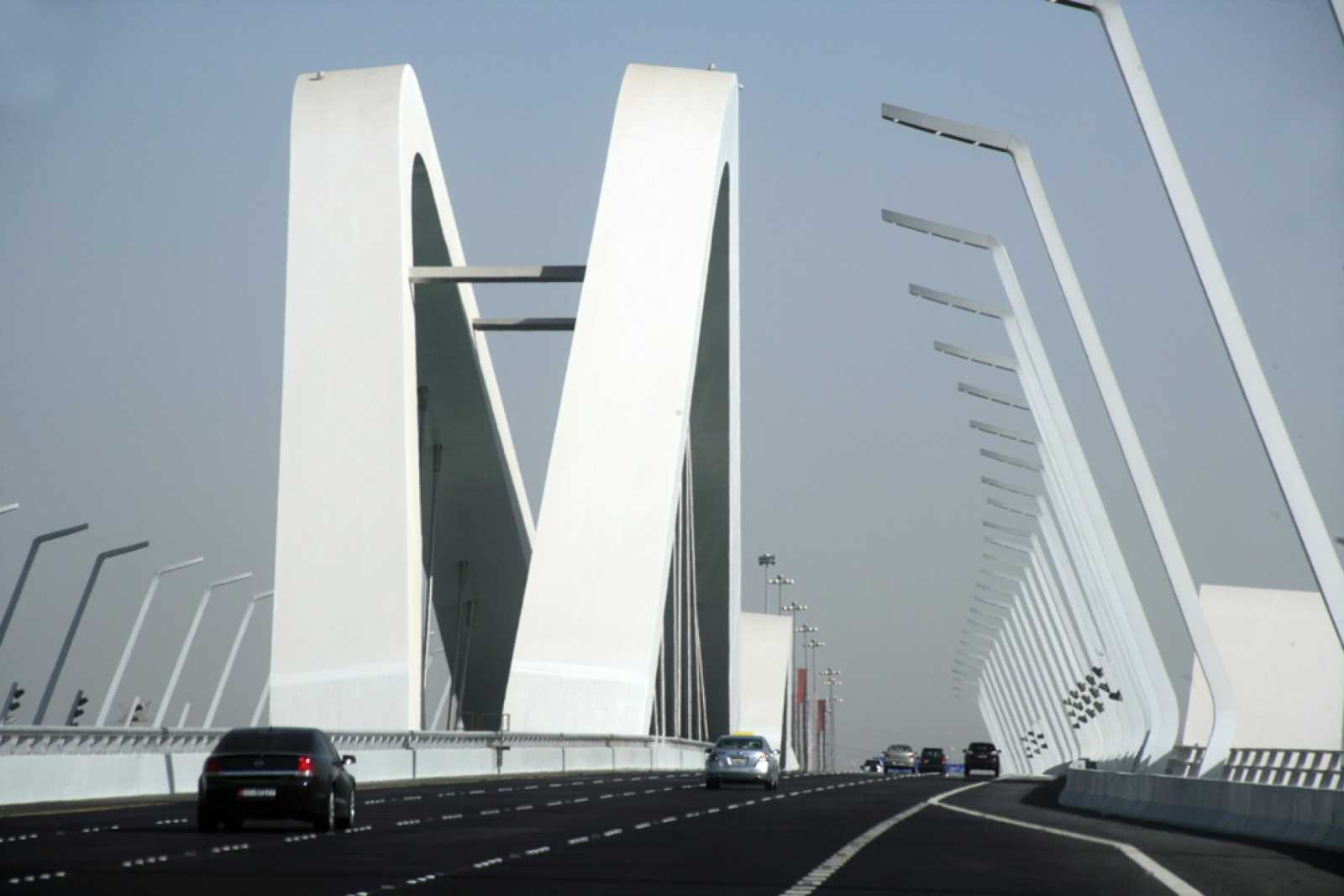 Sheikh zayed bridge by zaha hadid architects for Arquitectura zaha hadid