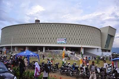 Tempat Wisata yang paling populer Di aceh, meseum tsunami aceh