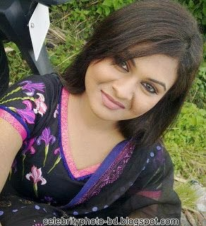 Bangladeshi+College+Girl+Hot+Picture+and+Photos005