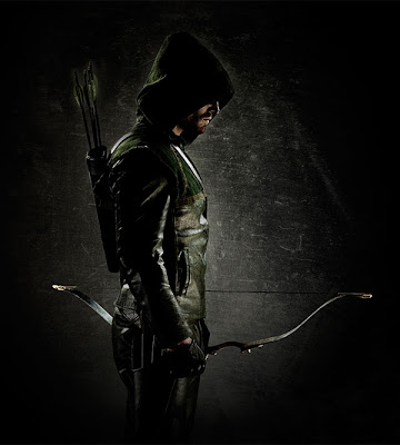 ARROW First Look: Stephen Amell as Green Arrow