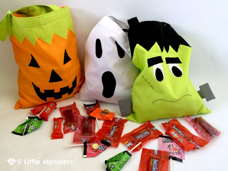 Tutorial to make your own classic halloween trick or treat bags including a pumpkin, a ghost or frankenstein #trickorsweet #ad