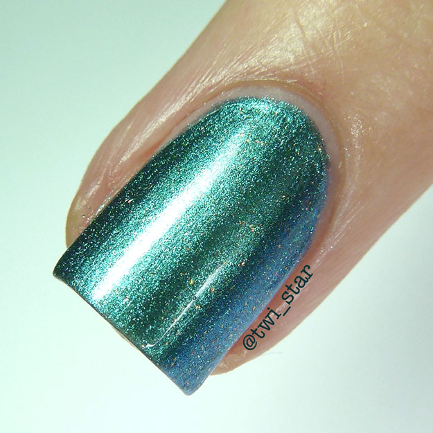 OPI This Color's Making Waves macro polish swatch